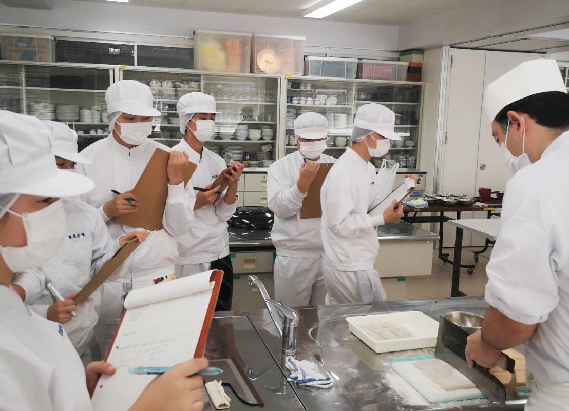 東京都立園芸高等学校 食品科のみなさんと蕎麦打ち授業